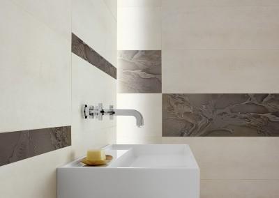 Ein modernes Bad mit großflächigen Fliesen als Highlight